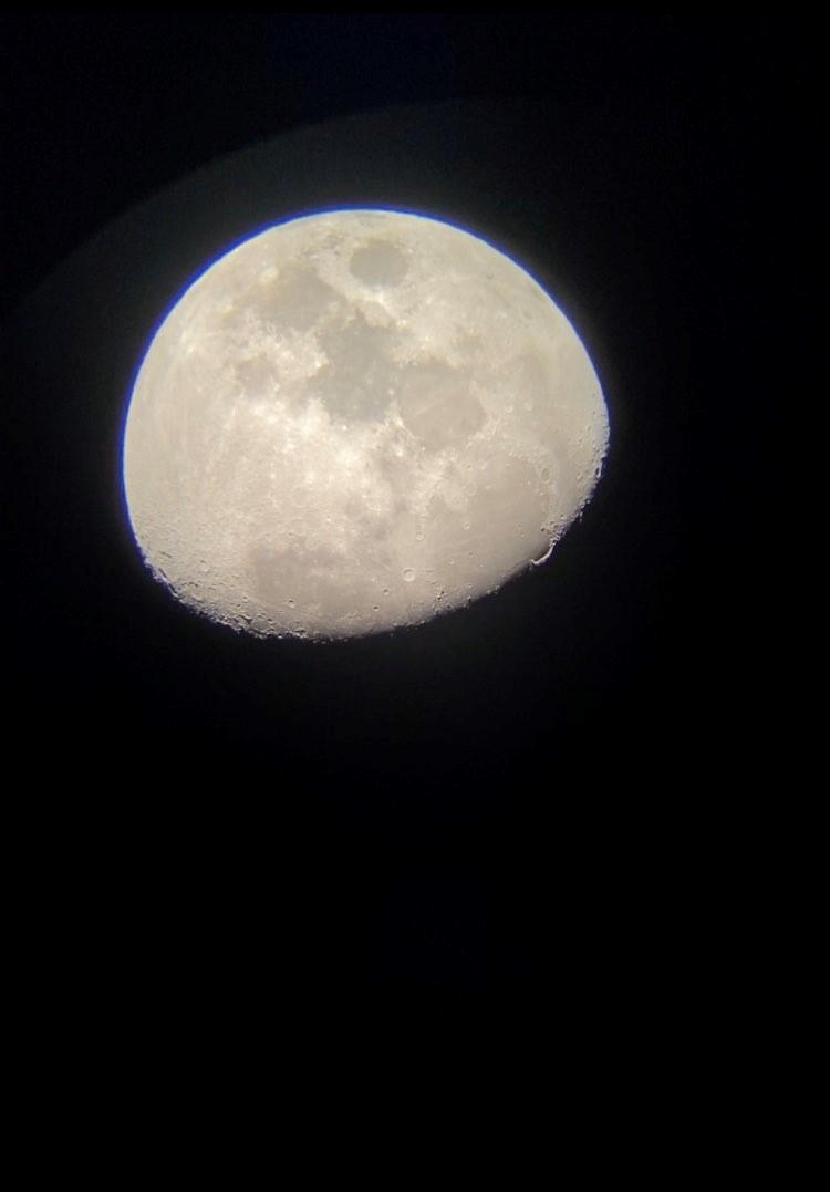 De maan, Jupiter en Saturnus